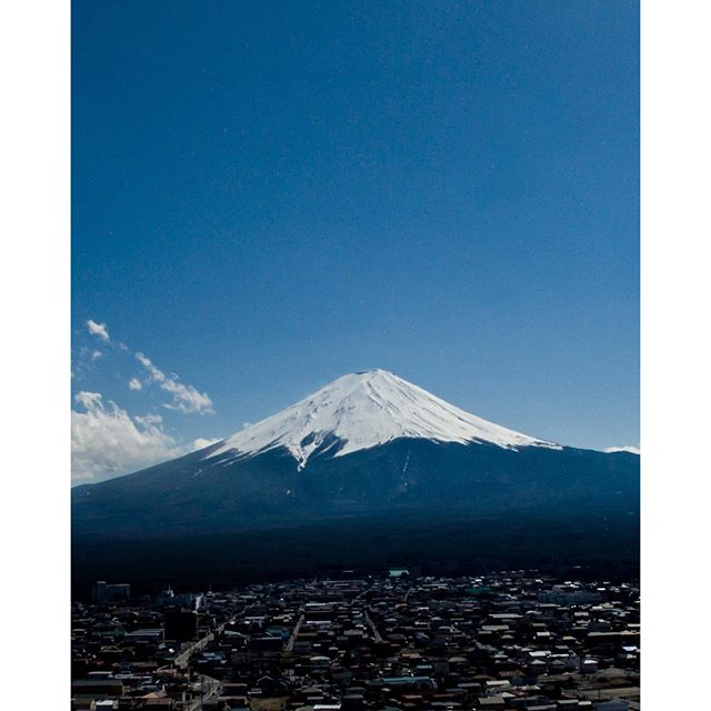 Had the drone check out Mt Fuji yesterday. Was up close at 1st but the mountain was so big it barely fit in the frame.